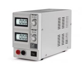 ALIMENTATION DE LABORATOIRE 0-15 VCC / 0-3 A MAX / AVEC DOUBLE AFFICHEUR LCD